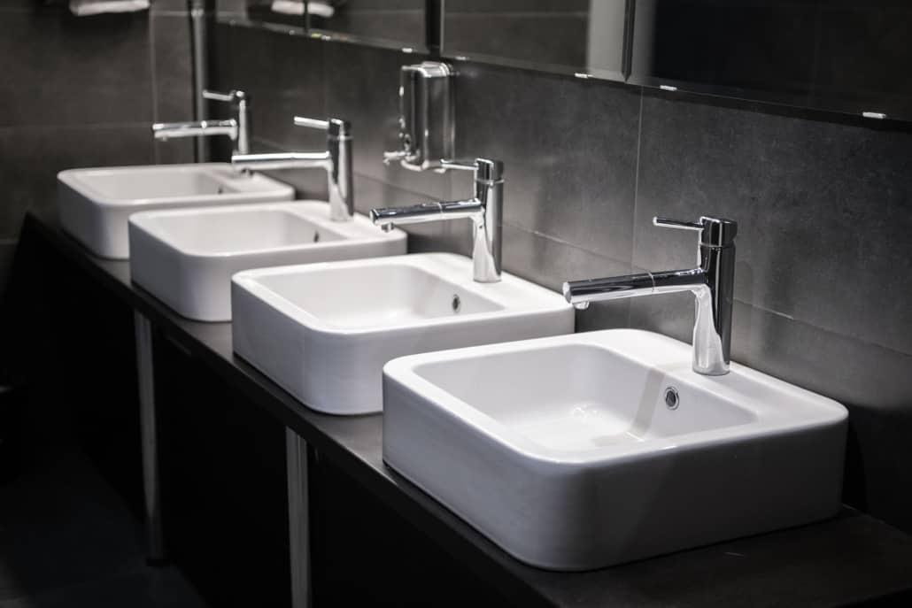 moderne vaske installeret af vvs installatør for erhverv